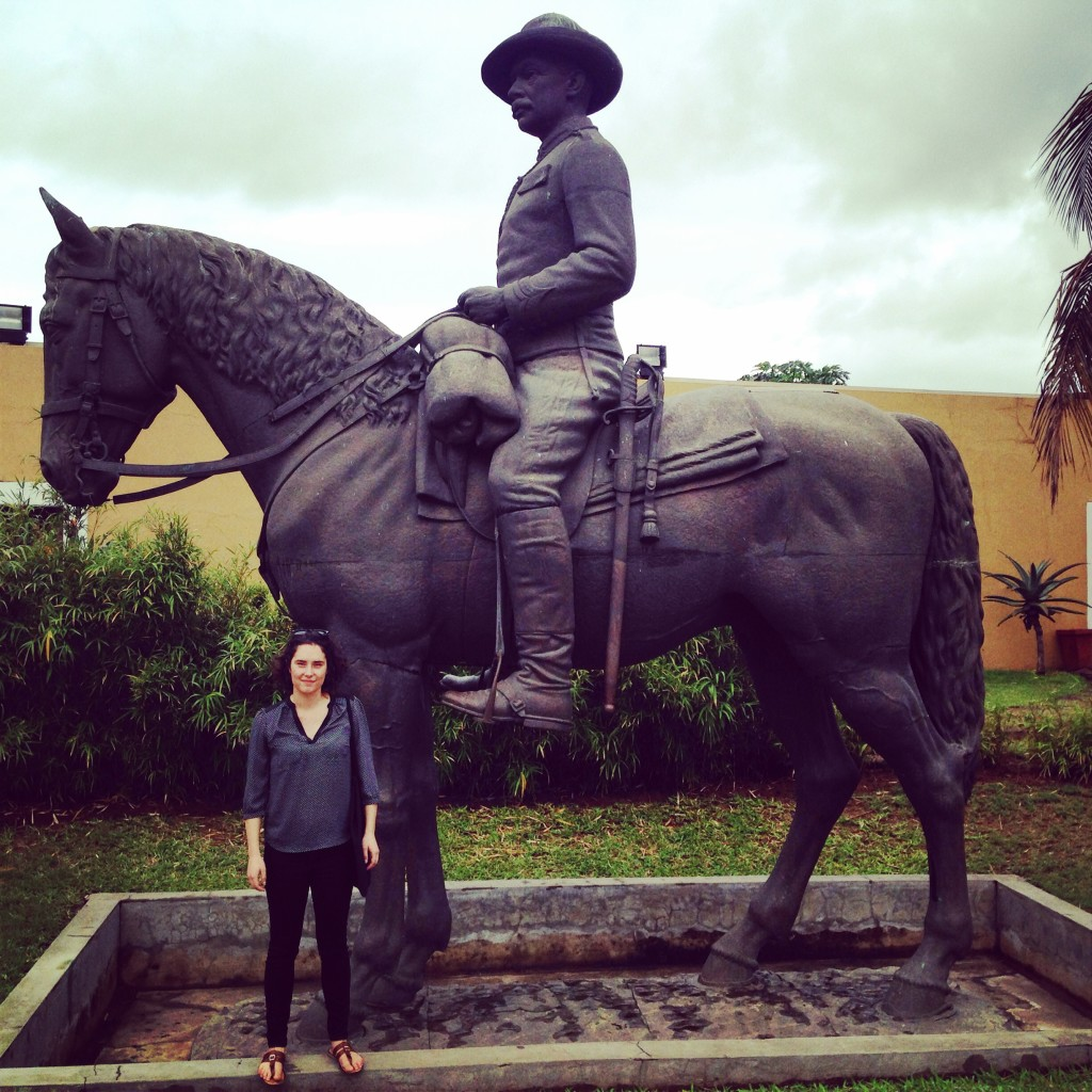 Me and a statue of Mouzinho de Albuquerque, o senhor who conquered local tribes for the Portuguese and helped divvy up Africa with modern day borders - great work there, might I say!